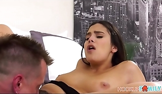 Horny Thick Teen Daughter Violet Starr Has Sex With Her Dad'_s Best Friend During Family Barbeque