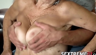 Old seductress eaten out before big unearth insertion