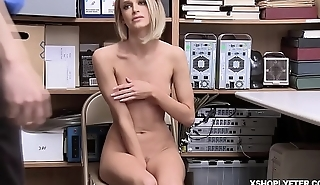 Shoplyfter Emma Hix goes down to her knees and blowjob the LP Officers cock!