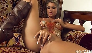 Beautiful babe toying her sweet pussy and asshole