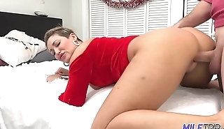 MILF Trip - Thick MILF in Santa outfit gets slayed